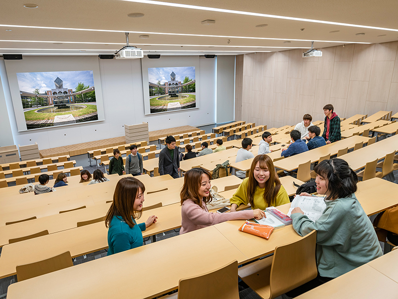 多目的講義棟 300人教室